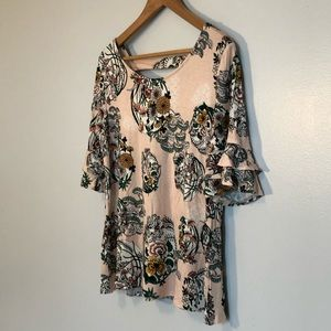 Brand new! Tier sleeve pink patterned Maurices top